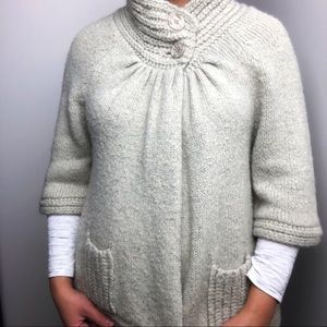 3/$20🦩 Cream Bell Sleeve Cardigan Sweater • Sz S